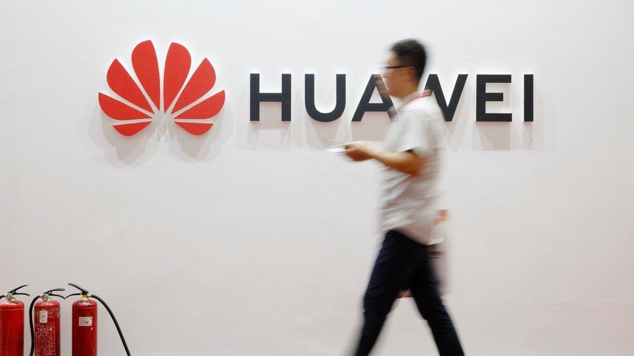 ABD Huawei'yi Satmak İçin 130'dan Fazla Lisans Talebi Aldığını Söyledi