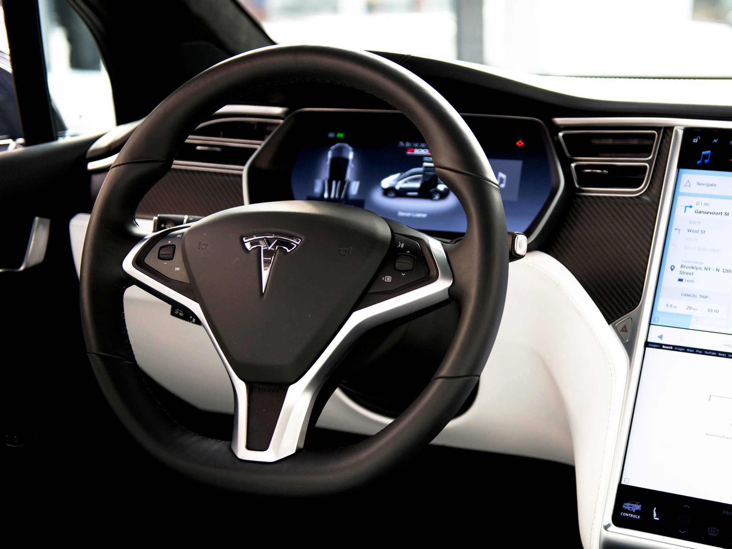 Netflix ve YouTube Tesla'ya Geliyor