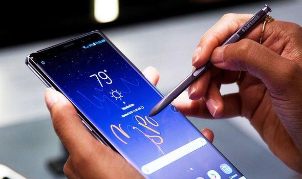 Samsung Galaxy Note 9'un Ekranında Sorunlar Başladı!